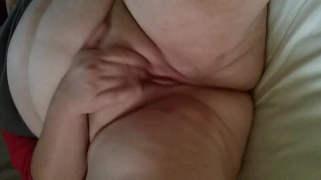 Baby girl cuming and squirting